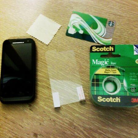 Най-добрият начин за поставяне на скрийн протектор на вашия телефон или таблет