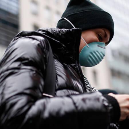 Как да почистите телефона си, за да се предпазите от коронавирус (COVID-19)